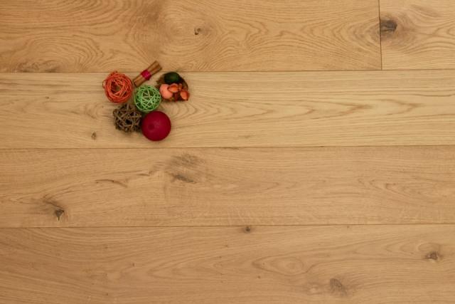Natural Engineered Flooring Oak UV LAQURED 14/3mm By 190mm By 1900mm FL694