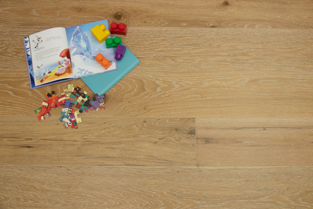 Natural Engineered Flooring Oak Click White Wash Brushed UV Lacquered 14/3mm By 190mm By 1900mm FL3893 0