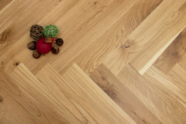 Natural Engineered Flooring Oak Herringbone UV LAQURED 11/3.6mm By 70mm By 490mm HB039 0